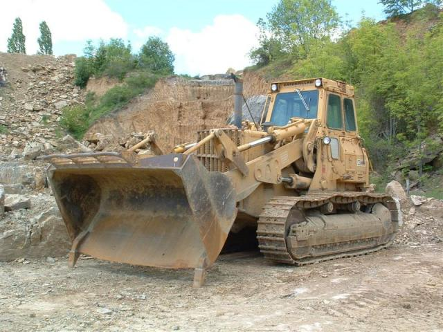 983 caterpillar d9 caterpillar cingolati Post-5-1087576076_thumb