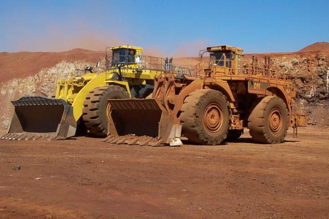 bulldozer /ruspe apripista trattori komatsu Post-5-1104490399_thumb