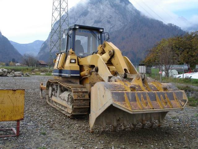 bulldozer /ruspe apripista trattori komatsu Post-1149-1137950608_thumb