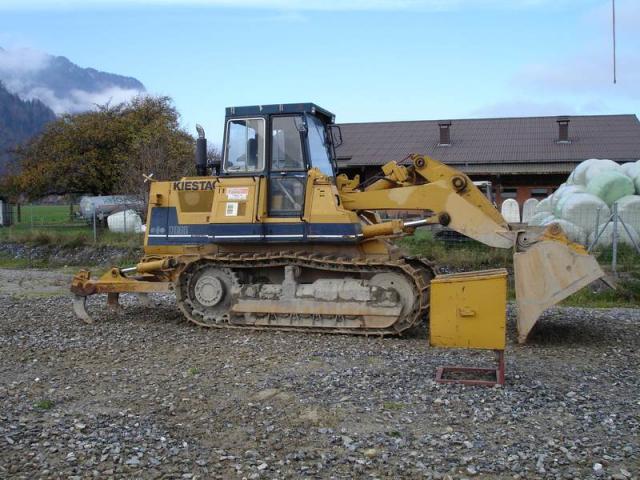 bulldozer /ruspe apripista trattori komatsu Post-1149-1137950610_thumb
