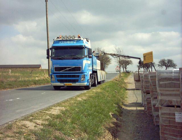 2006/04/post-1677-1144778101_thumb.jpg