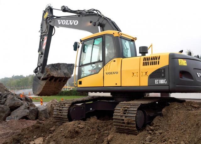 macchinari industriali volvo Post-1166-1170673999_thumb