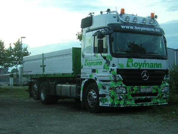Boymann_MB_Actros_MP_II_2546_OS_BB_712_am_19.08.07_2.jpg