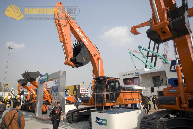 bauma_china_2008_doosan_02.jpg