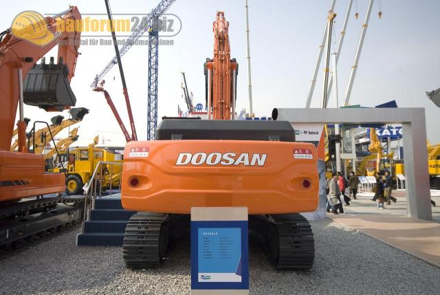 bauma_china_2008_doosan_04.jpg