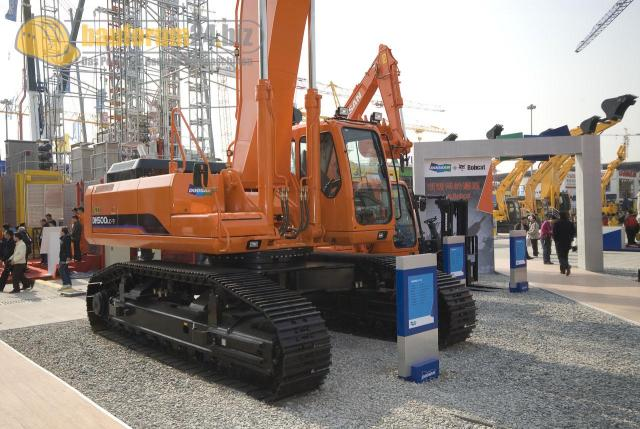 bauma_china_2008_doosan_05.jpg