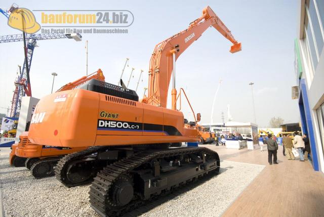 bauma_china_2008_doosan_06.jpg
