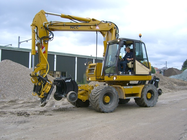 macchine movimento terra hydrema Post-8566-1235411171
