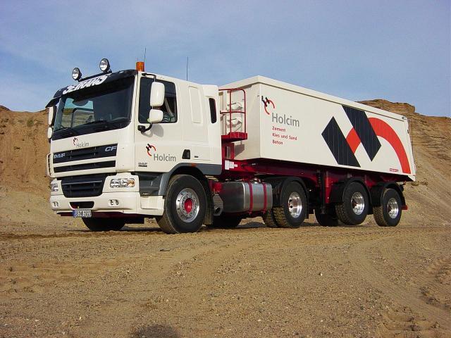 daf_trucks_cf_75.360_kippauflieger_2.jpg