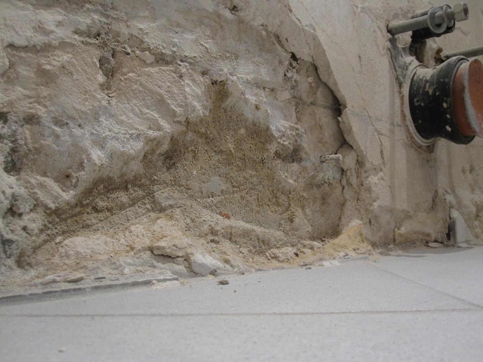 Dusche Wand Feucht : Feuchte W?nde – Hausbau allgemein – Bauforum24 – Baumaschinen & Bau