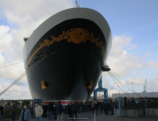 _Disney_Dream__Meyer_Werft_07._November_2010__2_.jpg