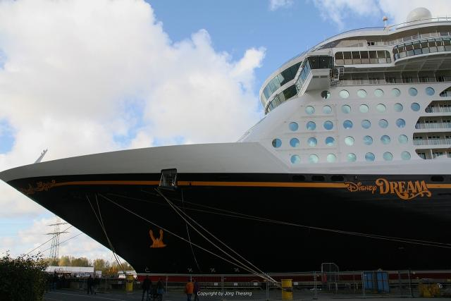 _Disney_Dream__Meyer_Werft_07._November_2010__5_.jpg