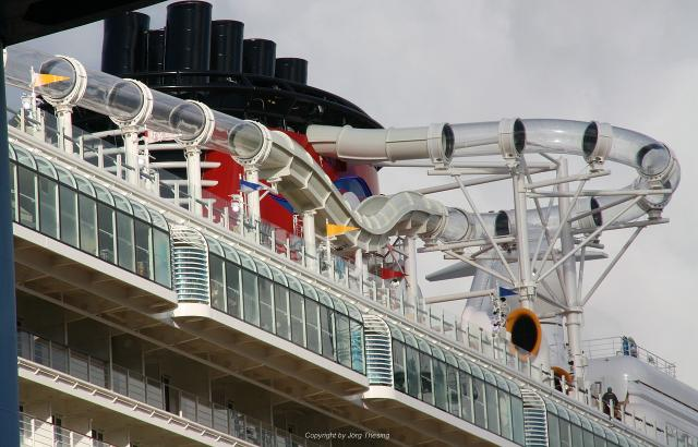 _Disney_Dream__Meyer_Werft_07._November_2010__6_.jpg