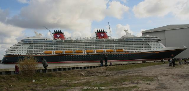 _Disney_Dream__Meyer_Werft_07._November_2010__13_.jpg