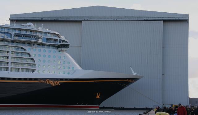 _Disney_Dream__Meyer_Werft_07._November_2010__17_.jpg