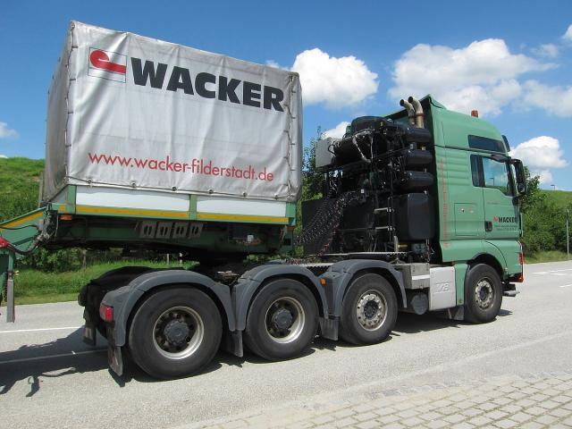 Copyright___Maulwurfmax_2011.Gebr_der_Wacker_GmbH_MAN_TGX_41.680_NOOTEBOOM_11.7.2011_3.jpg