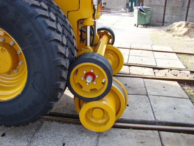912DS_Rail_rear_railgear.jpg