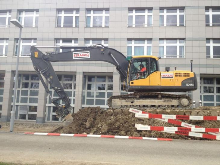 Volvo_EC_240CNL.jpg
