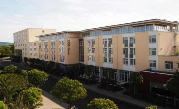 Hotelansicht_web.JPG