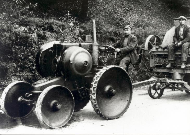 Deutz_Dieselschlepper_1926.jpg