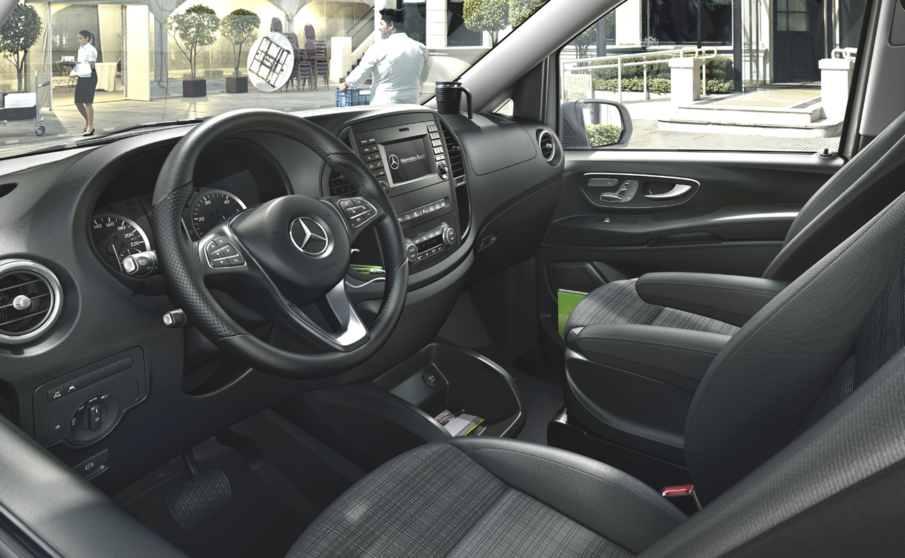 Mercedes benz vito weltpremiere in berlin interview mit for Interieur v klasse