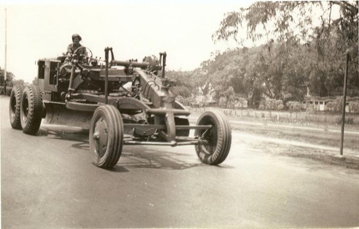 Genie_Mil_Parade_1949.jpg