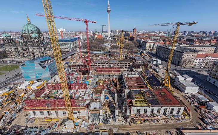 Peri_Berlin_Stadtschloss_1.jpg