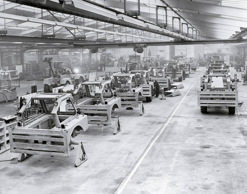 1958_-_the_production_line_at_Rocester-0