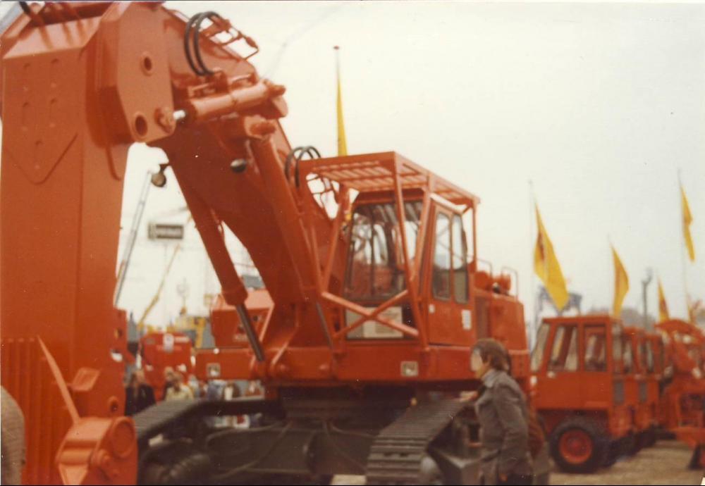 ATLAS 2502B.JPG