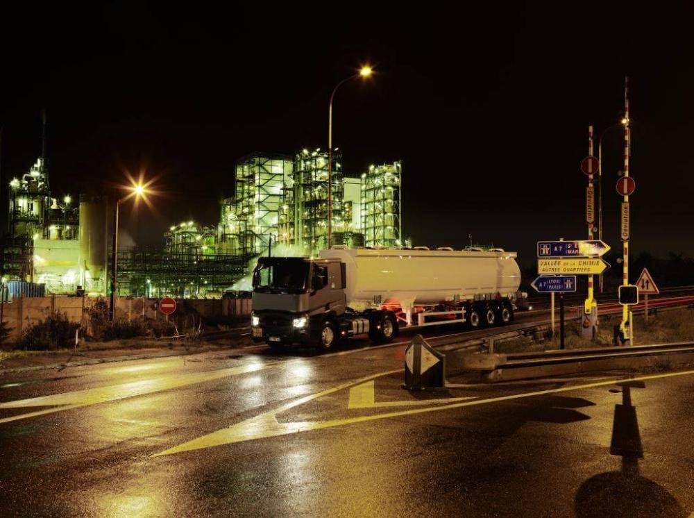 renault-trucks-t-2016-01.thumb.jpg.939d8