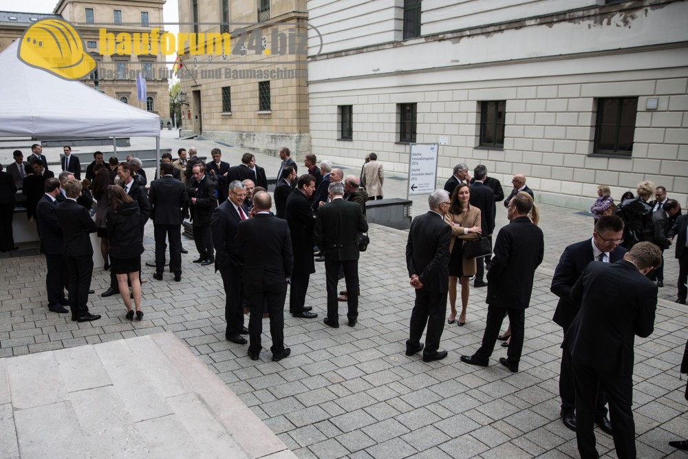 bauforum24_bauma2016_innovationspreis-2.jpg