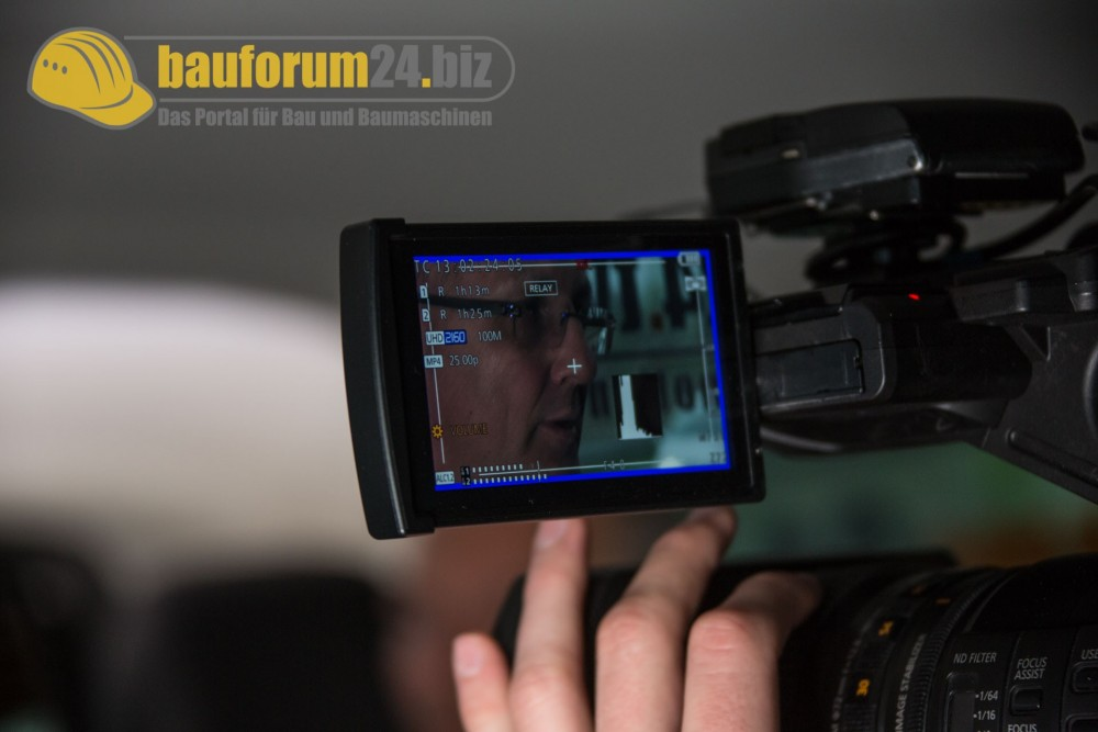 bauforum24_bauma2016_taxi_talk_liebherr-9.jpg