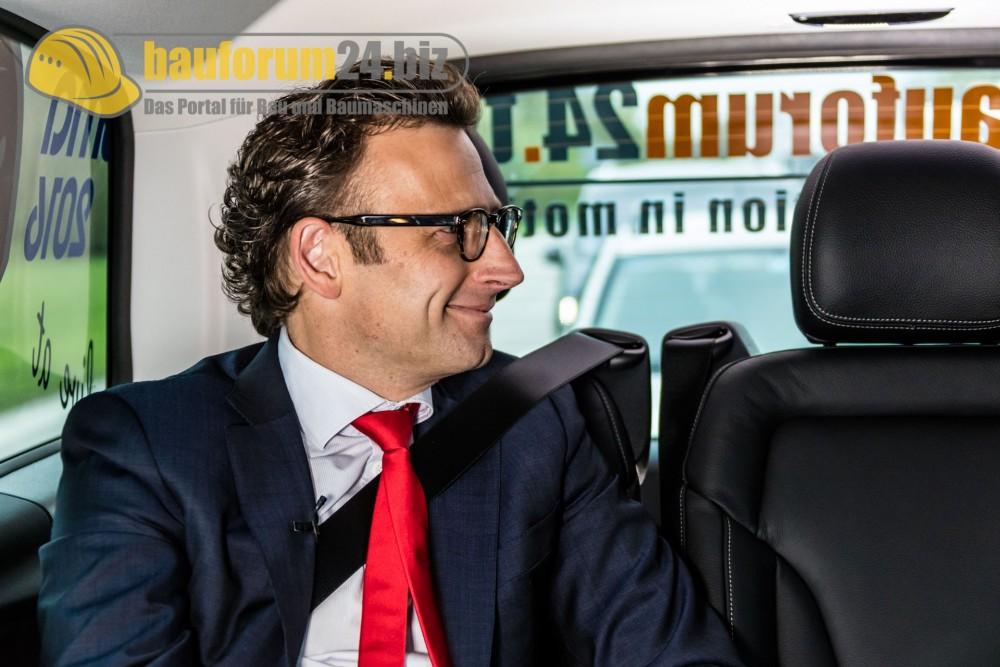 bauforum24_bauma2016_taxi_talk_wolffkran-8.jpg