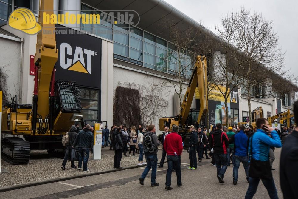 bauforum24_bauma2016_zeppelin-cat-2.jpg