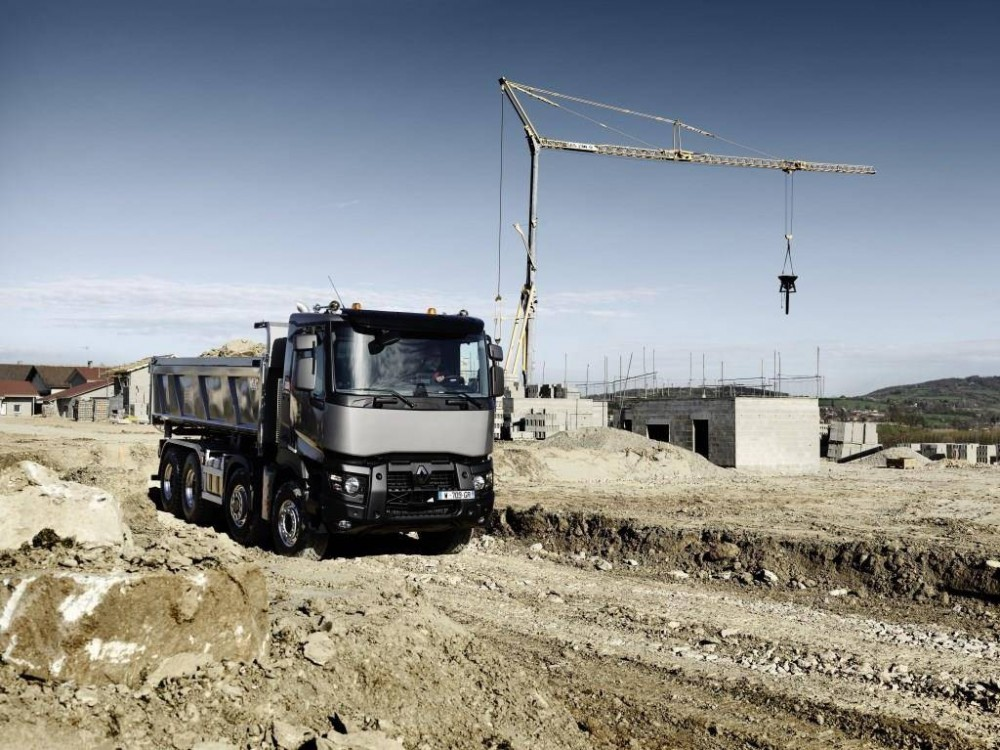 bf24-renault_trucks_c440_8x4_optitrack_1.jpg