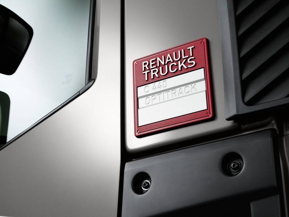 bf24-renault_trucks_c440_8x4_optitrack_7.jpg