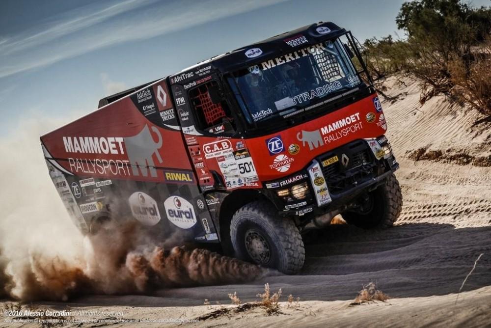 Renault_Trucks_MKR_Libya_Rally_K520_2.jpg