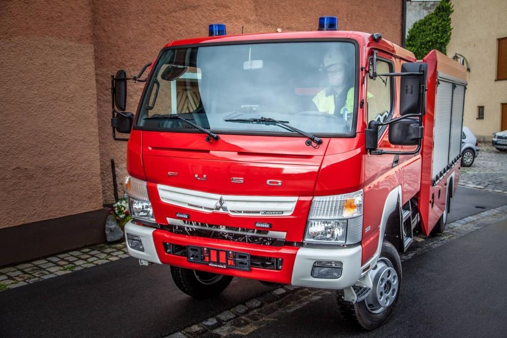 bf24-Fuso Canter, Feuerwehr, Doppelkabine.jpg