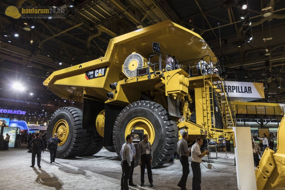 caterpillar-794ac-minexpo2016-bauforum24-52.jpg