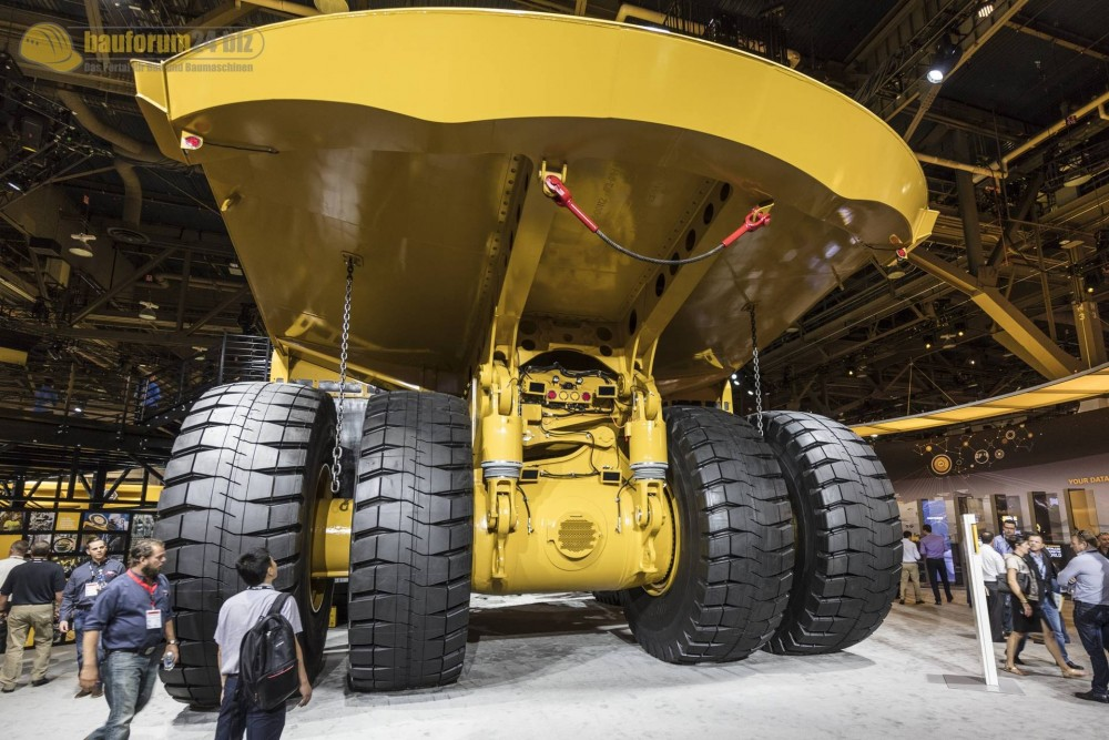 caterpillar-794ac-minexpo2016-bauforum24-99.jpg