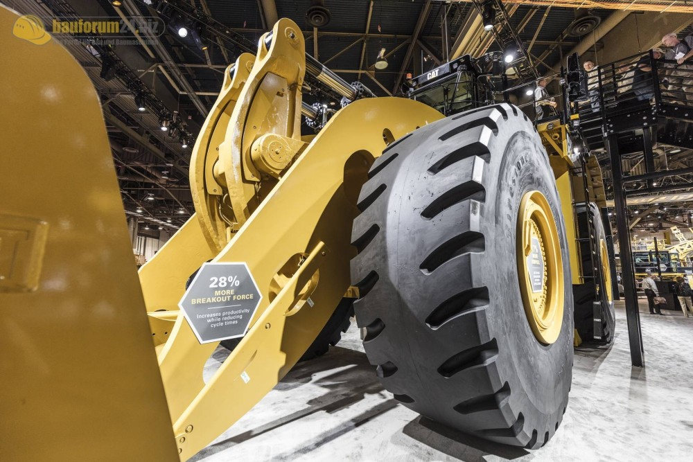 caterpillar-994k-minexpo2016-bauforum24-118.jpg