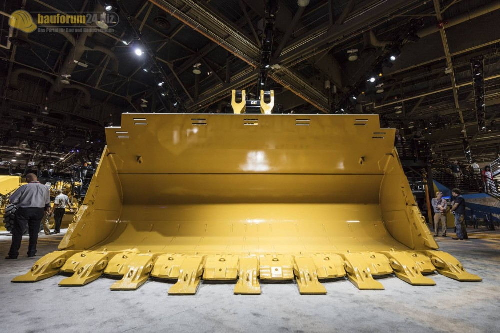 caterpillar-994k-minexpo2016-bauforum24-84.jpg