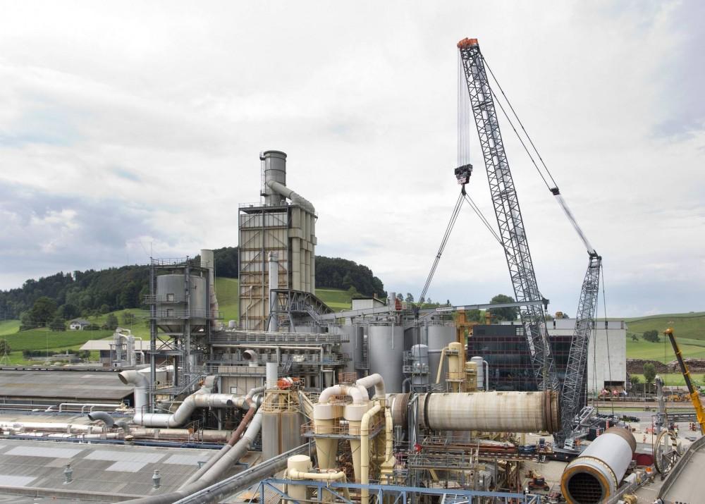 liebherr-crawler-crane-production-plant-lift-1_1920.jpg