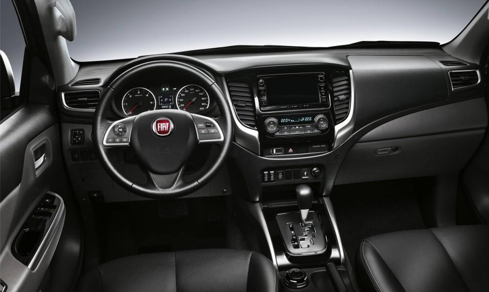 Fiat Fullback Cross Pickup 2017 Innenraum