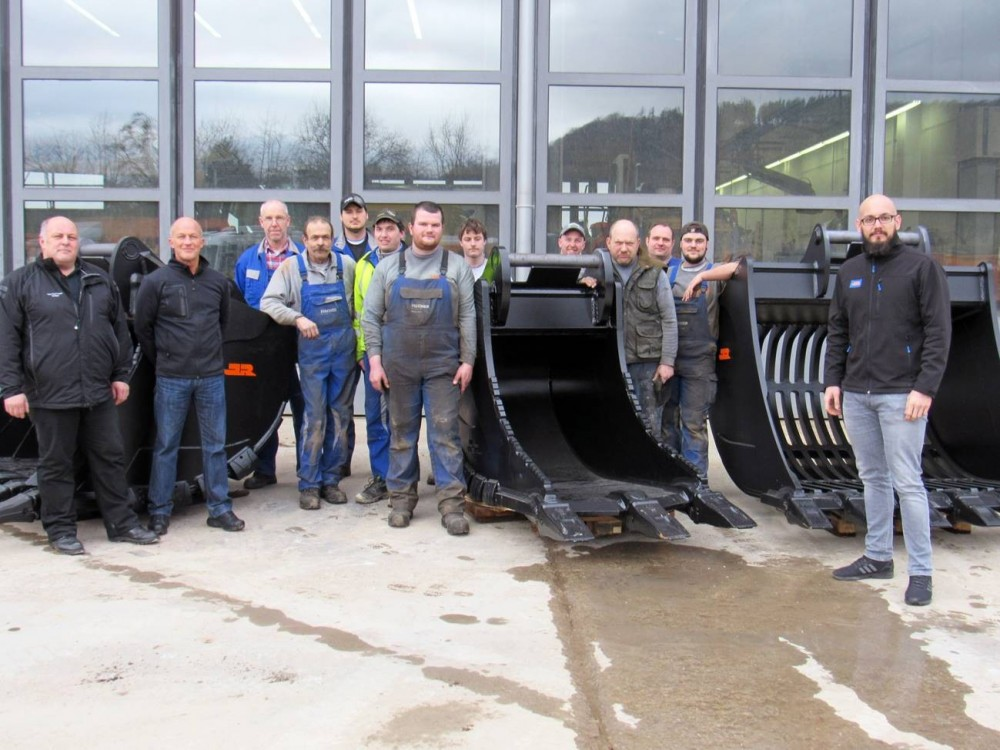 JR_Werkstattteam Fischer Weilheim_News Fullsize.jpg