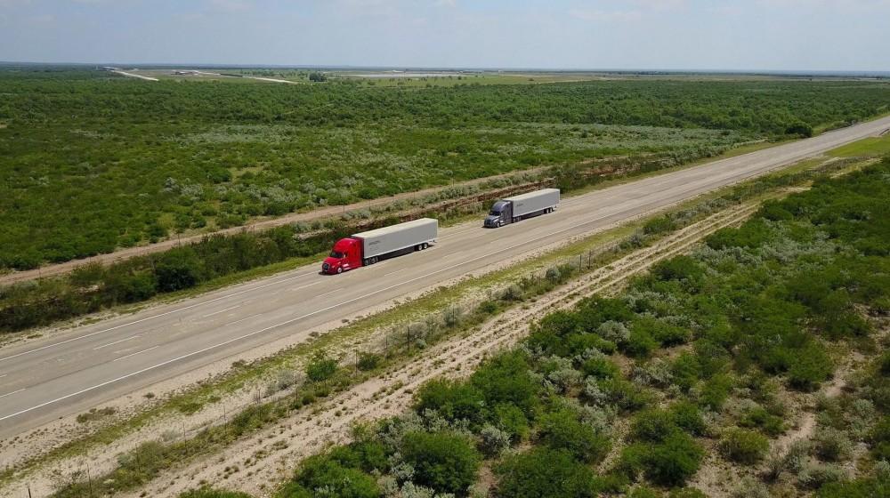 daimler-trucks-platooning-bauforum24.jpg