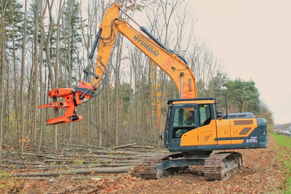 Hyundai HX220L im Forsteinsatz