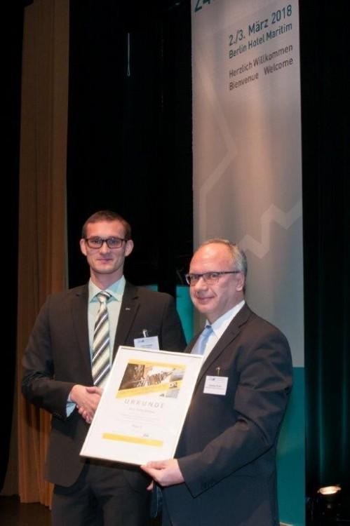 Innovationspreisträger Dubrau und DA-Geschäftsführer Pocha