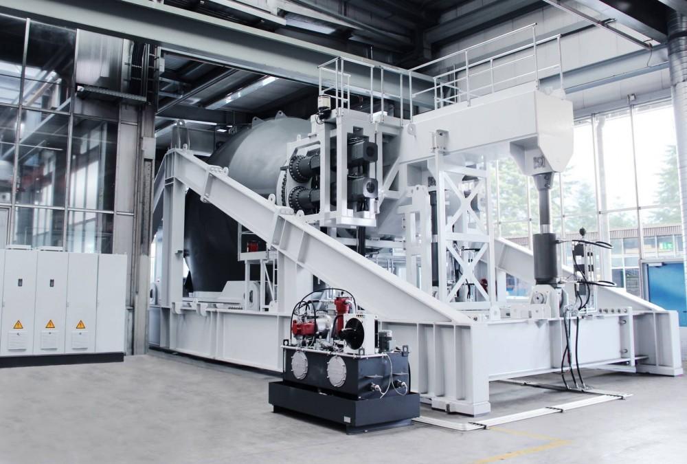 Liebherr produziert seit 2017 auch kontinuierlich drehende Hauptlager und hat zu diesem Zweck in Biberach einen Dauerlaufprüfstand zu deren Erprobung und Validierung in Betrieb genommen