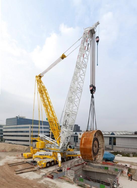 Der neue LG1750 von Mediaco beim Hub eines Schildes einer Tunnelbohrmaschine.